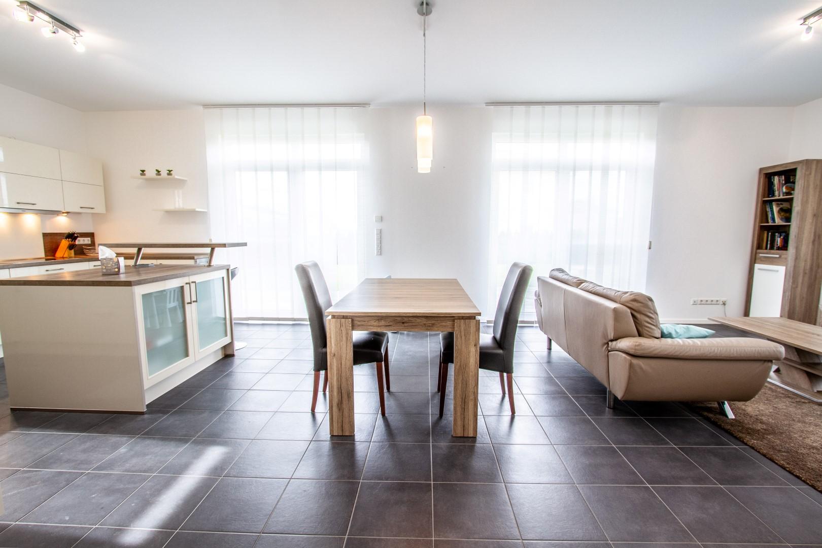Wohn-Esszimmer-Küche - Feldbusch Immobilien e.K.